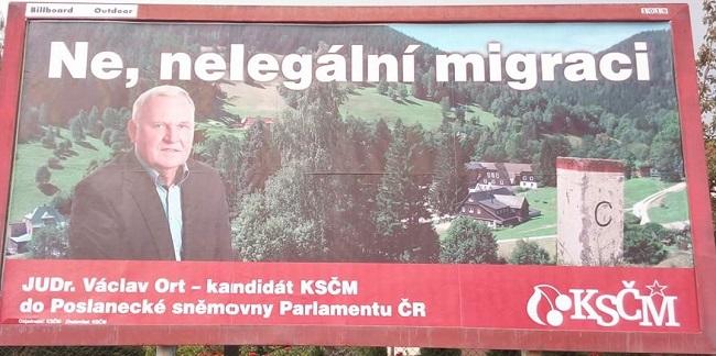 Komunistům na billboardu jedna čárka přebývá