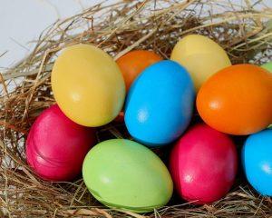 Velikonoční vajíčka dostávají koledníci od žen a dívek na Velikonoční pondělí